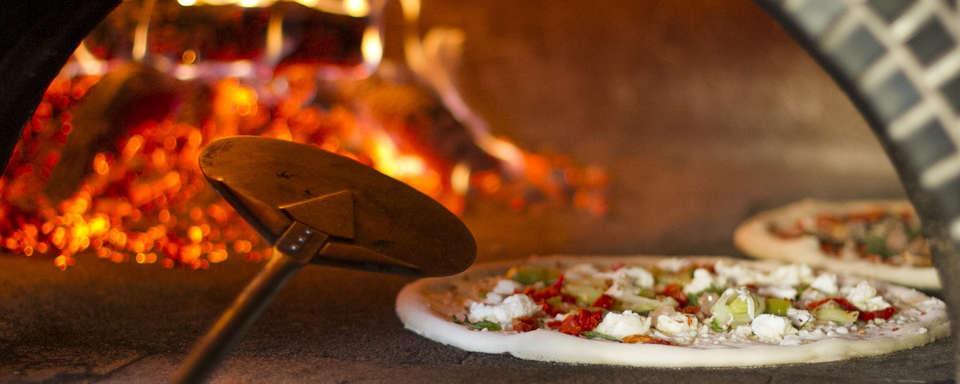 Coupon Pizzeria per 4 persone Pizza e bevanda a scelta Demo